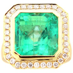 GIA Certified 10.51 Carat Colombian Emerald and Diamond Cocktail Ring