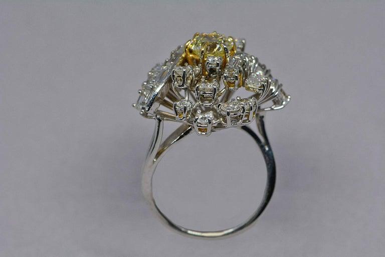 Round Cut GIA Certified 1.08 Carat Light Yellow Diamond Ring 18 Karat Gold 3 Carats Total For Sale