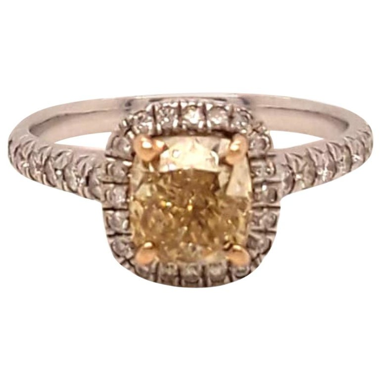 Yellow Diamond Ring 1.09 Carats GIA Certified  For Sale