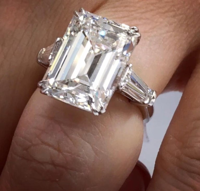 GIA Certified 11.34 Carat H-VS1 Emerald Cut Diamond Ring In New Condition For Sale In New York, NY