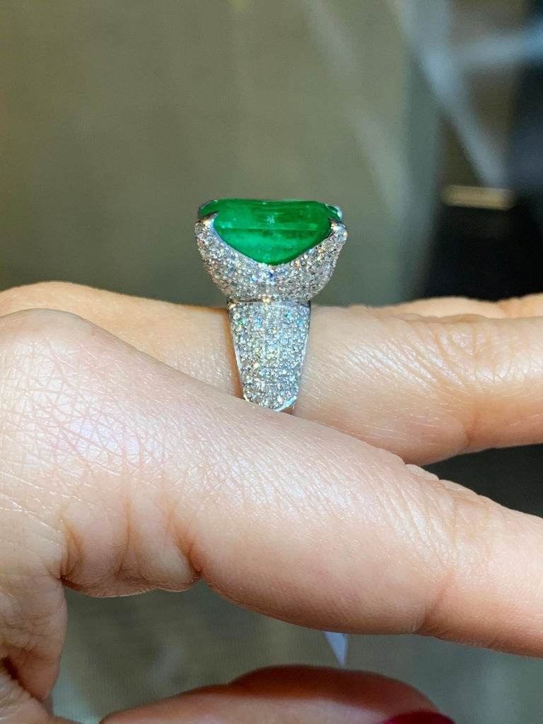 GIA Certified 13.35 Carat Emerald Diamond Cocktail Ring For Sale 1