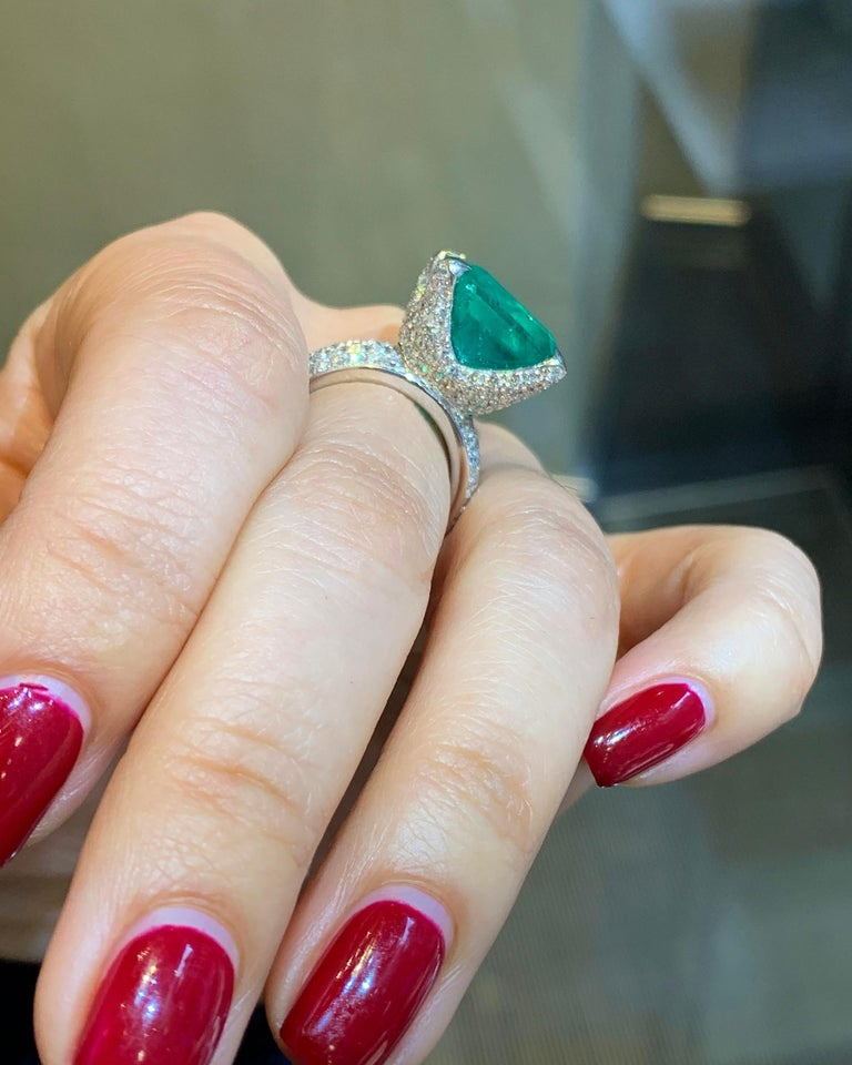 GIA Certified 13.35 Carat Emerald Diamond Cocktail Ring For Sale 2