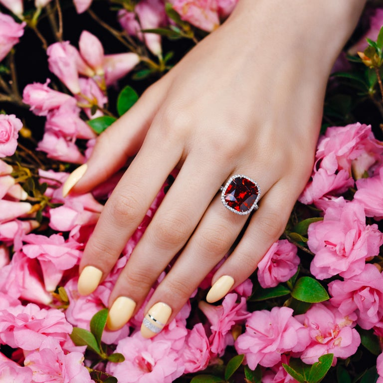 GIA Certified 13.63 Carat Bohemian Garnet Micro Pave Platinum Statement Ring In New Condition For Sale In New York, NY