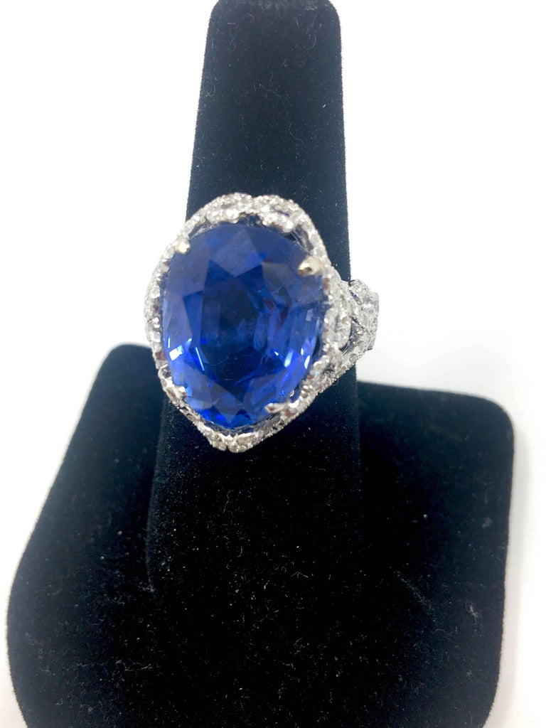 auction with archive sapphire diamonds press dorotheum estimate blue royal br at us news ct en untreated about burma a ring