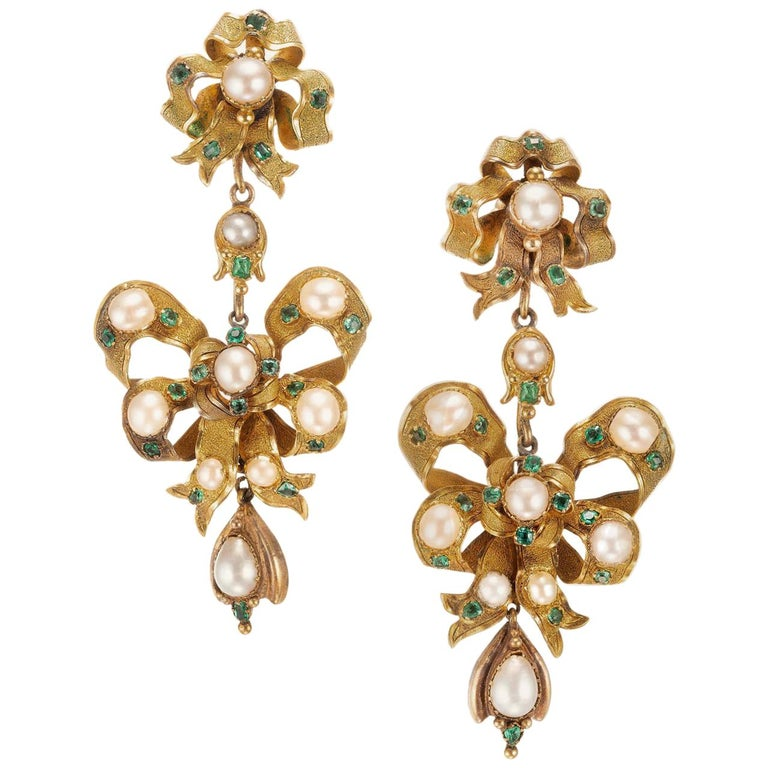 f458e88d7 GIA Certified 1.40 Carat Emerald Pearl Yellow Gold Dangle Chandelier  Earrings For Sale