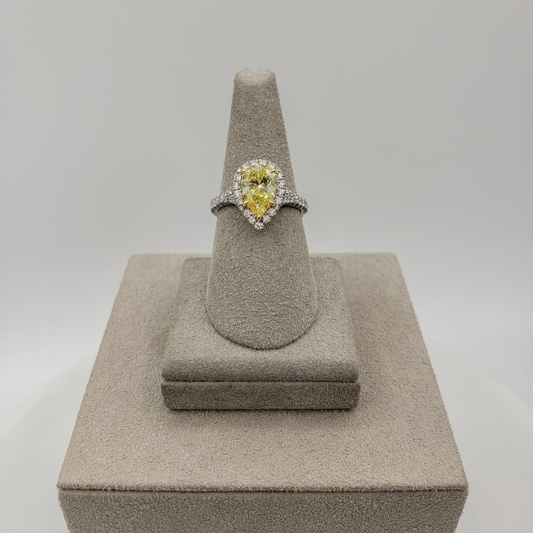 GIA Certified 1.49 Carat Intense Yellow Diamond Halo Engagement Ring In New Condition For Sale In New York, NY