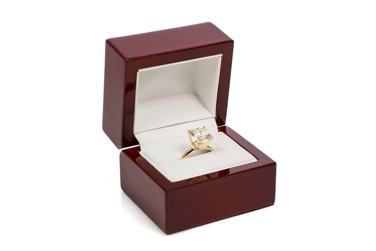 Women's GIA Certified 14 Karat Gold and Diamond Solitaire Engagement Ring 5.11 Carat
