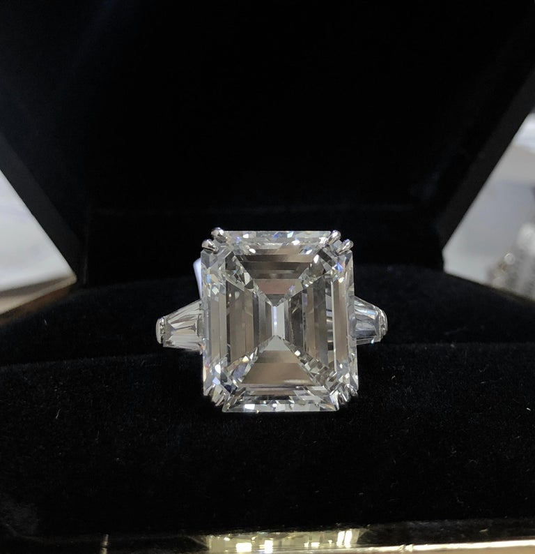 GIA Certified 13.50 carats Emerald Cut Diamond  Engagement Ring For Sale 1