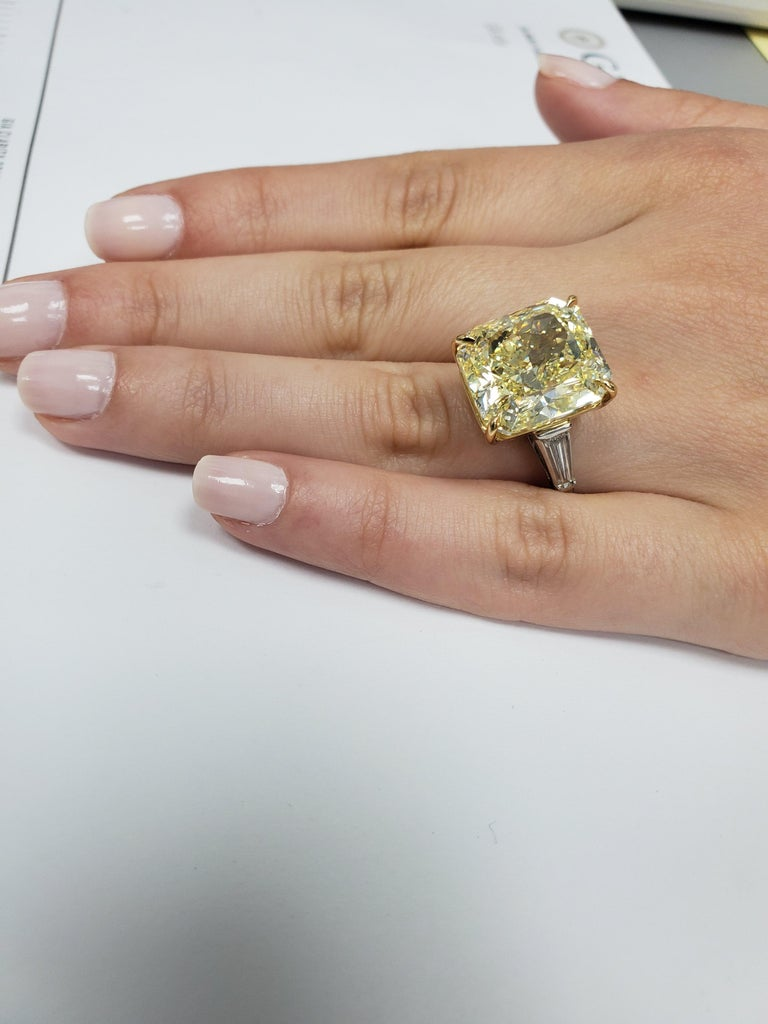 GIA Certified 15.06 Carat Fancy Yellow Three-Stone Ring For Sale 3