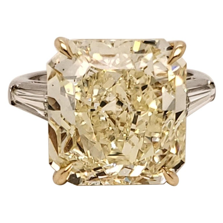GIA Certified 15.06 Carat Fancy Yellow Three-Stone Ring For Sale