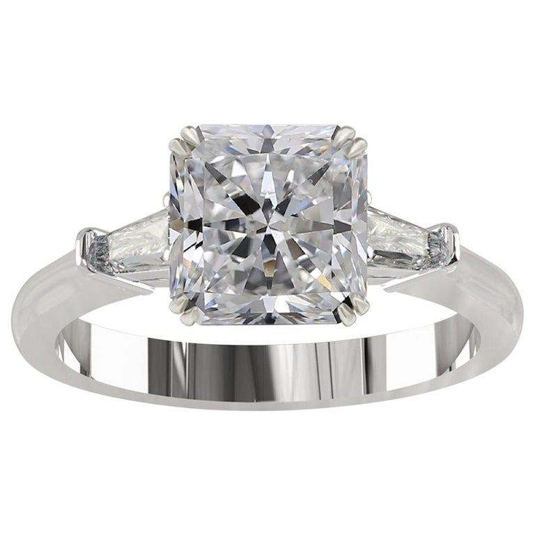 GIA Certified 1.55 Carat Radiant Cut Diamond Ring D VS2 For Sale