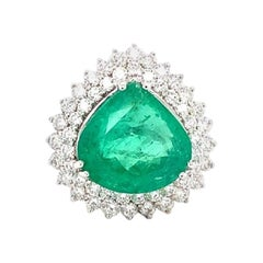 GIA Certified 15.57 Carat F1 Colombian Natural Emerald 18 Karat White Gold Ring