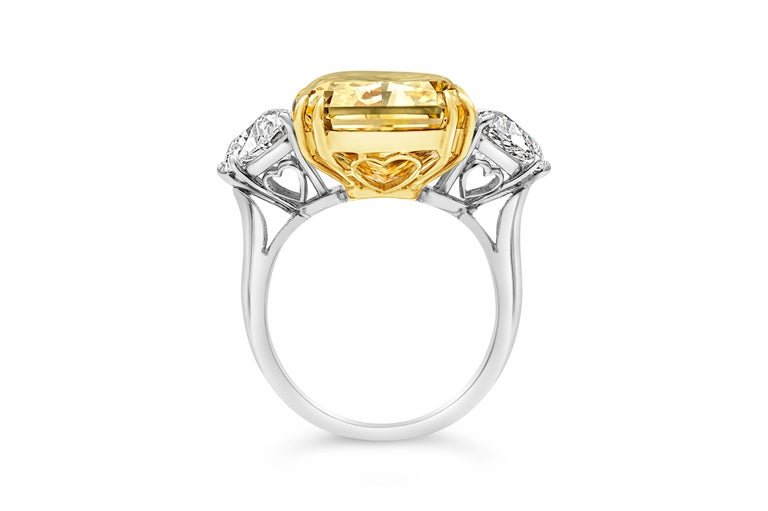 Contemporary GIA 17.25 Carat Intense Yellow Diamond Platinum Three-Stone Engagement Ring For Sale