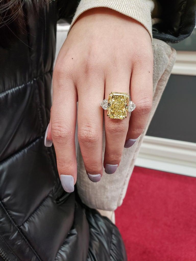 GIA 17.25 Carat Intense Yellow Diamond Platinum Three-Stone Engagement Ring For Sale 2