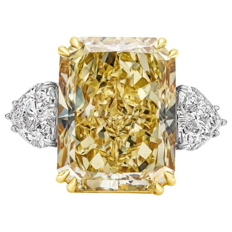 GIA 17.25 Carat Intense Yellow Diamond Platinum Three-Stone Engagement Ring For Sale