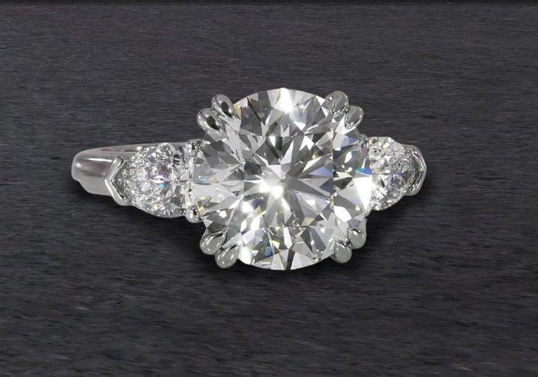 Modern GIA Certified 2 Carat Round Brilliant Cut Diamond Ring E VS2 Triple Ex For Sale