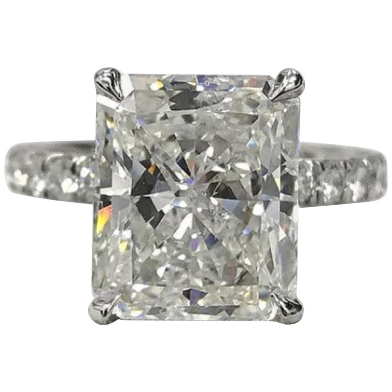 GIA Certified 2 Carat Long Radiant Diamond Ring G VS2 For Sale