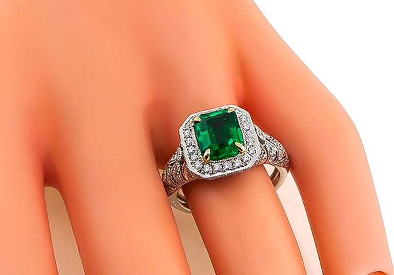GIA Certified 2 Carat Natural Colombian Emerald Diamond Gold Ring In Excellent Condition In New York, NY