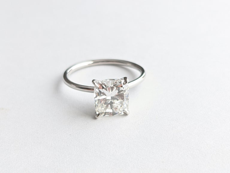 Women's GIA Certified 2.01 Carat Cushion Diamond Thin Low Setting in Platinum 950 For Sale