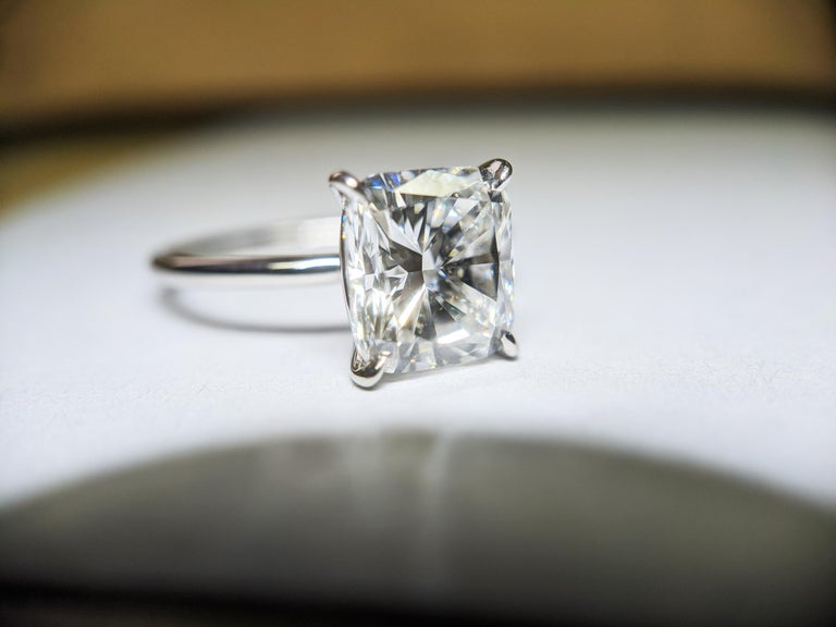 GIA Certified 2.01 Carat Cushion Diamond Thin Low Setting in Platinum 950 For Sale 1