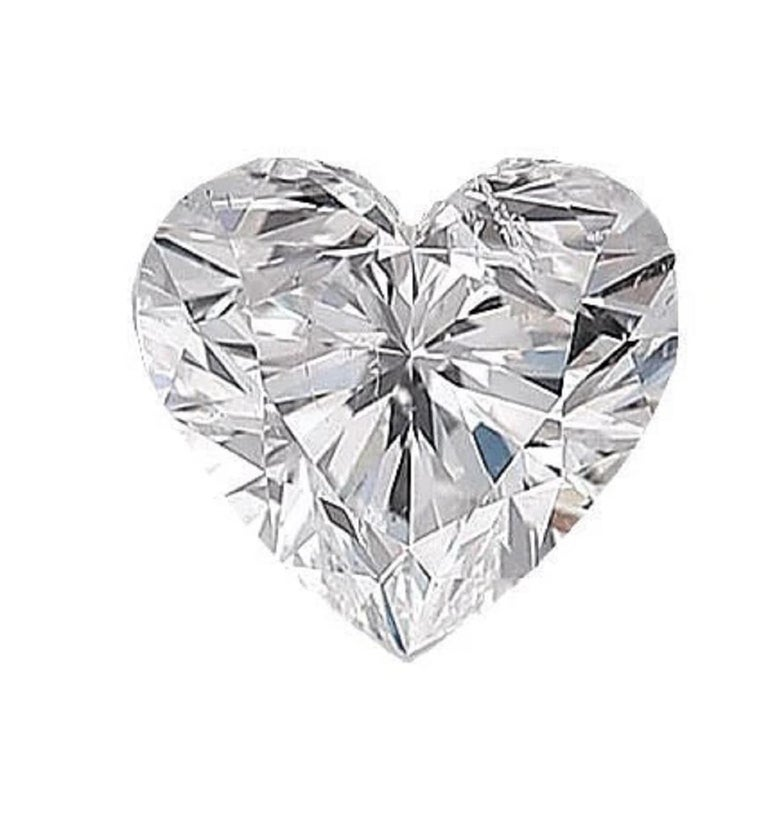 Amazing GIA certified heart shape diamond pendant perfect present! the main stone weights 2 carats and has been certified by GIA