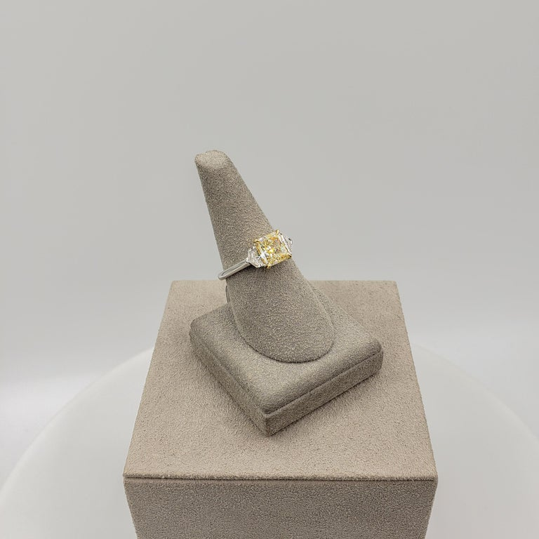 Women's GIA Certified 2.01 Carat Yellow Diamond Three-Stone Engagement Ring For Sale