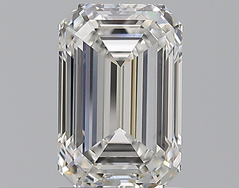 An incredible diamond for investment purposes but also we can create the perfect mounting and include it in the final price inquire us we are italian high skilled jewerlers