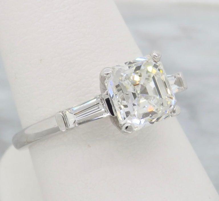 Women's GIA Certified 2.10 Carat Square Emerald / Asscher Cut Diamond Engagement Ring For Sale