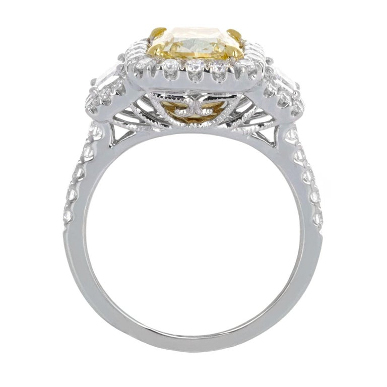 Modern GIA Certified, 2.20 Carat Fancy Light Yellow Diamond Ring For Sale