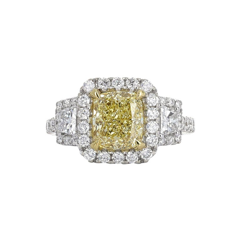 GIA Certified, 2.20 Carat Fancy Light Yellow Diamond Ring For Sale