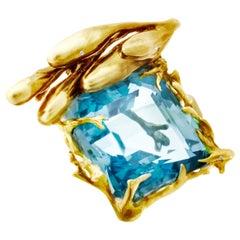 GIA Certified 22.59 Carat Aquamarine 18 Karat Gold Contemporary Pendant Necklace