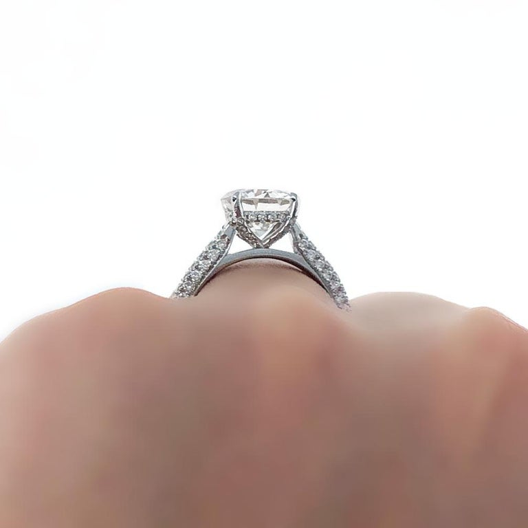 GIA Certified, 2.32 Carat H- VVS2 Round Brilliant Diamond Engagement Ring In New Condition In Beverly Hills, CA