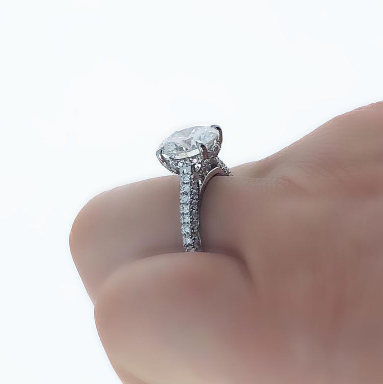 Women's GIA Certified, 2.32 Carat H- VVS2 Round Brilliant Diamond Engagement Ring