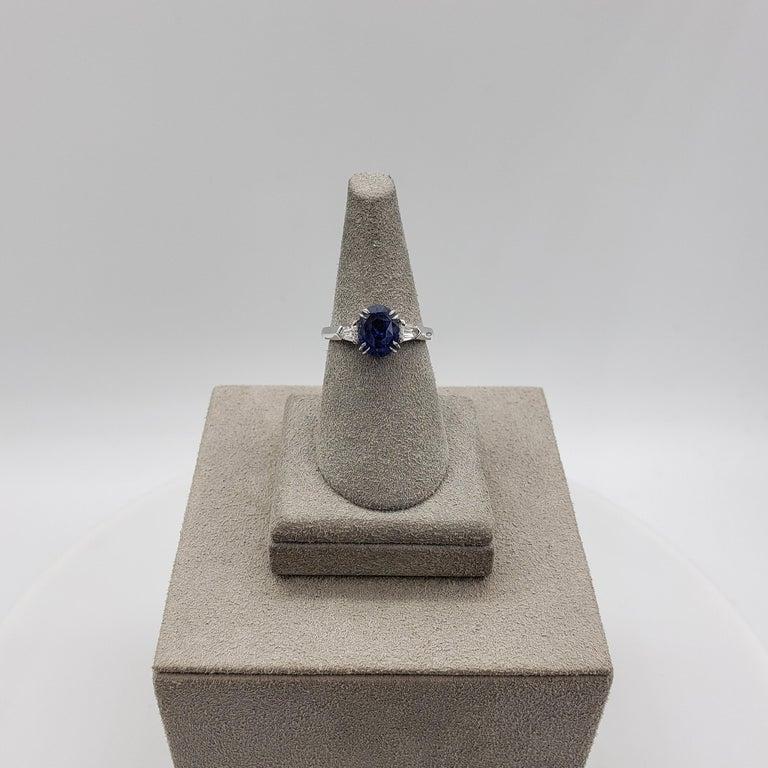 Modern GIA Certified 2.38 Carat No-Heat Blue Sapphire Diamond Three-Stone Ring For Sale