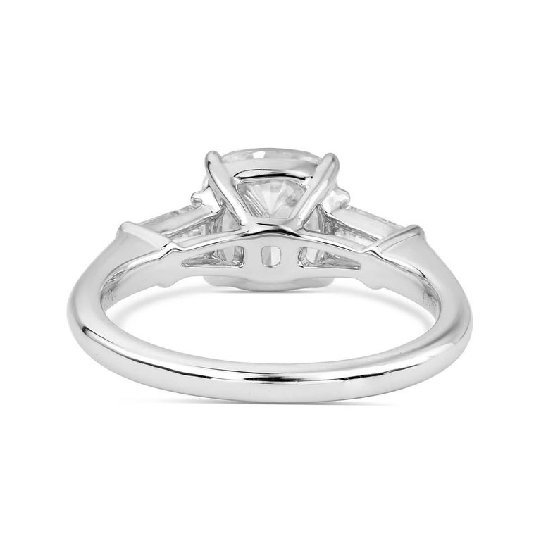 Women's or Men's GIA Certified 2.52 Carat Cushion Cut Engagement Ring For Sale