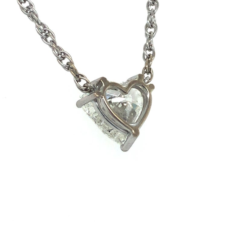 GIA Certified 2.54 Carat Diamond Heart Necklace in 18 Karat White Gold For Sale 1