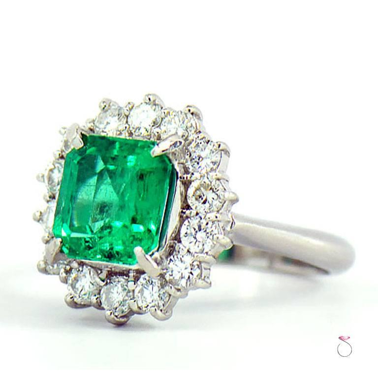 Emerald Cut GIA Certified 2.64 ct. Fine Colombian Emerald & Diamond Platinum Ring For Sale