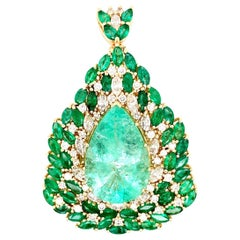 GIA Certified 28.64 Carat Natural Colombian Emerald Handmade Pendant or Brooch