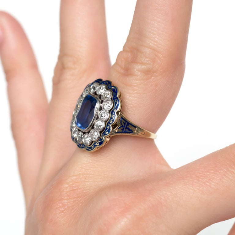 GIA Certified 2.90 Carat Sapphire Yellow Gold Engagement