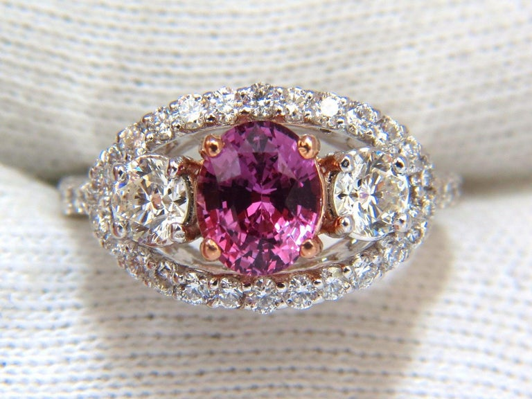 GIA Certified 2.97ct natural no heat vivid pink sapphire ring three stone wrap In New Condition For Sale In New York, NY
