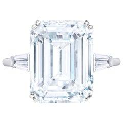 GIA Certified 2.10 Carat Emerald Cut Diamond 18 Carats White Gold Ring