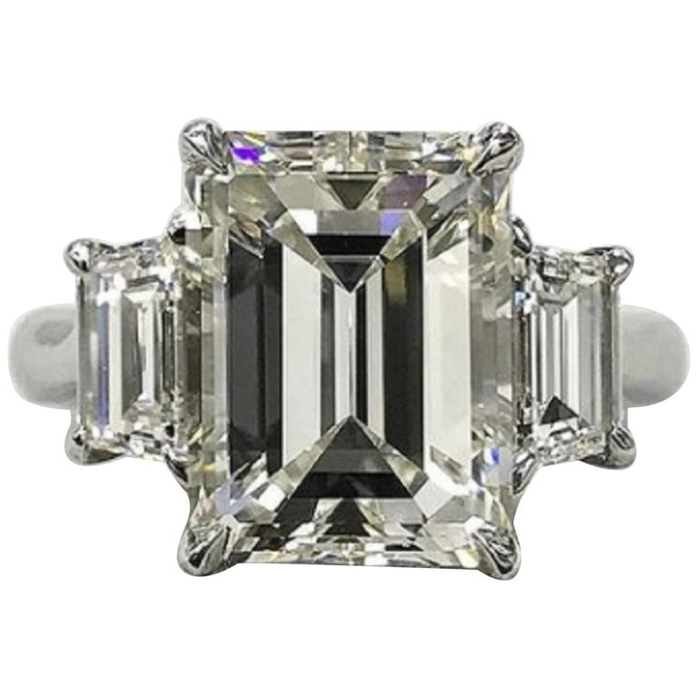 GIA Certified 3 Carat Emerald Cut Diamond Platinum Ring For Sale