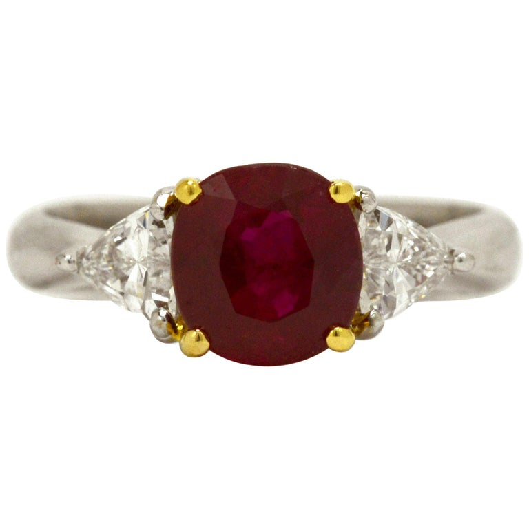 Ruby Engagement Rings For Sale: GIA Certified 3 Carat Oval Burma Ruby Diamond Platinum