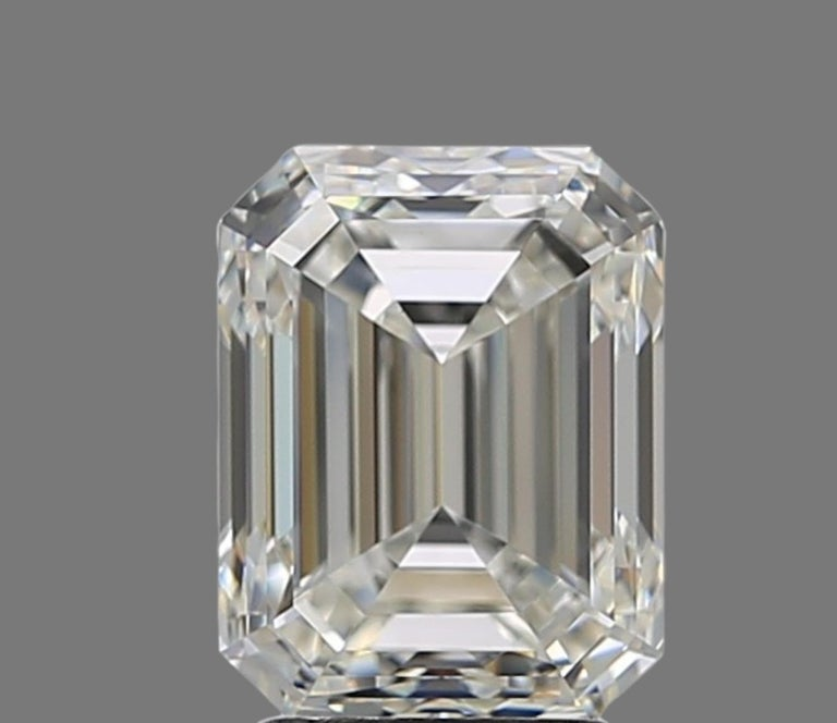 Modern GIA Certified 3 Ct. Carat Emerald Cut Diamond Engagement Solitaire Ring For Sale
