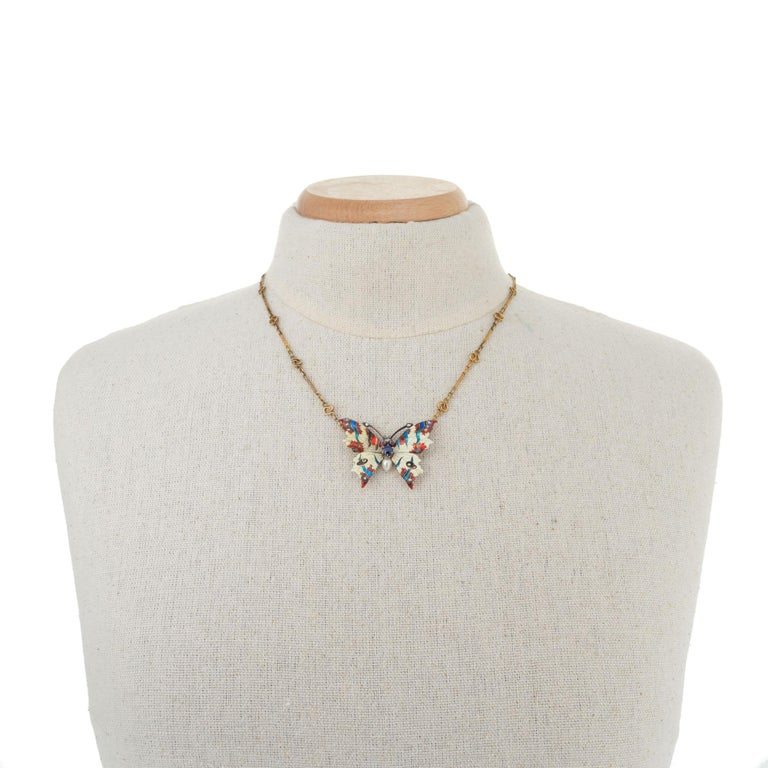 GIA Certified .30 Carat Sapphire Diamond Pearl Butterfly Pendant Necklace In Good Condition For Sale In Stamford, CT