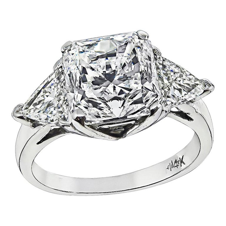 GIA Certified 3.03 Carat Diamond Gold Engagement Ring For Sale