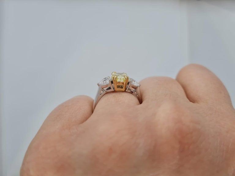 Women's or Men's GIA Certified 3.05 Carat Internally Flawless Fancy Yellow Oval Diamond Ring For Sale
