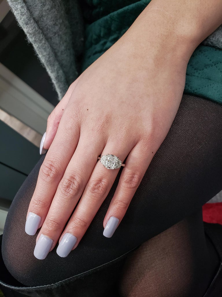 GIA Certified 3.11 Carat Cushion Diamond Three-Stone Engagement Ring In New Condition For Sale In New York, NY