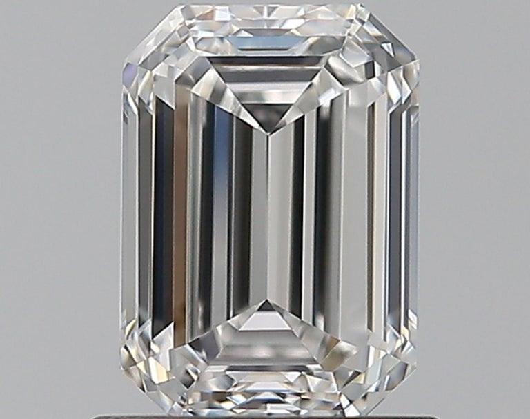 Modern INTERNALLY FLAWLESS GIA Certified 2.85 Carat Emerald Cut Diamond Ring For Sale