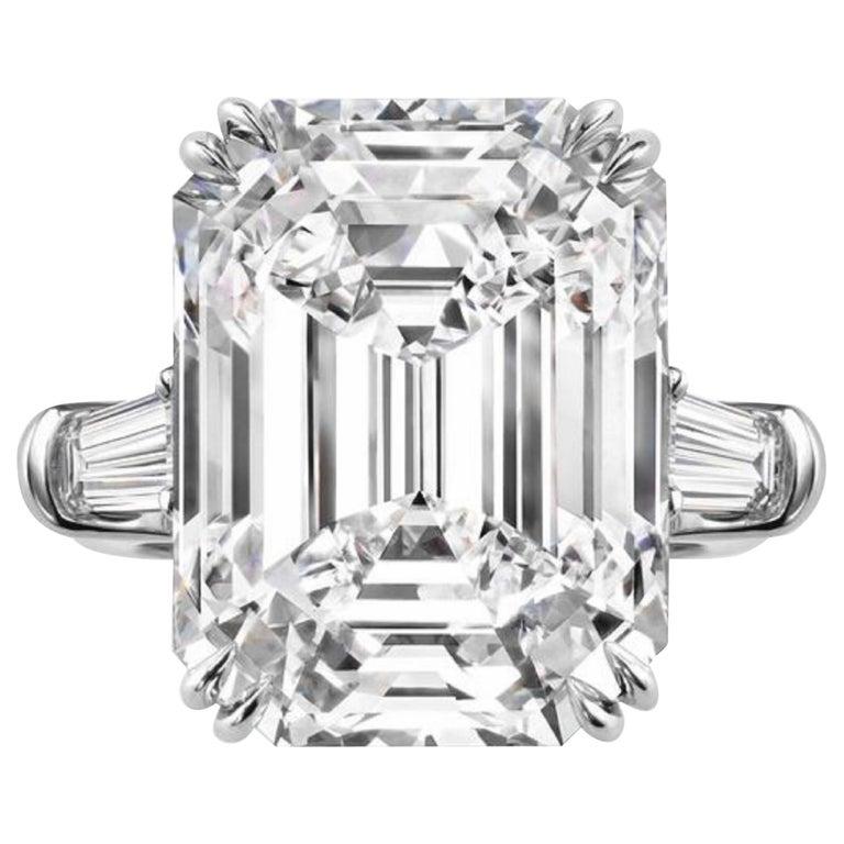 INTERNALLY FLAWLESS GIA Certified 2.85 Carat Emerald Cut Diamond Ring For Sale